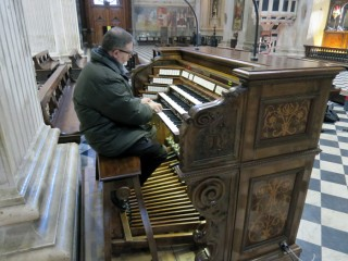 recording the sounds of the organ